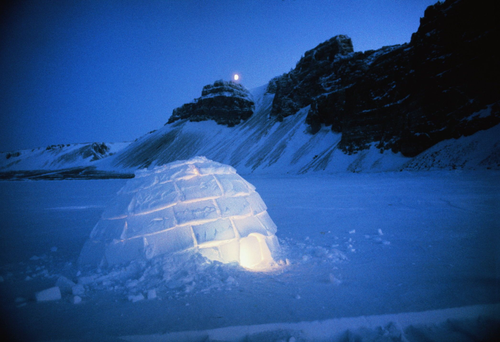 Canada,North-West Territories, Hudson Bay,igloo at night