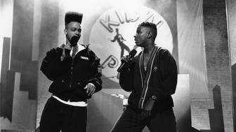 NEW YORK - CIRCA 1990:  Rapper Christopher 'Kid' Reid and Christopher 'Play' Martin of the hip-hop group 'Kid 'n Play' perform onstage in circa 1990 in New York, New York. (Photo by Al Pereira/Michael Ochs Archives/Getty Images)