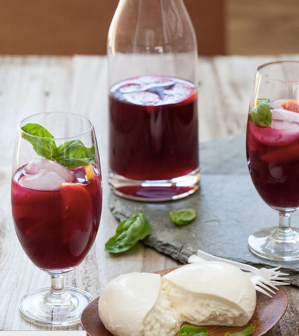 """<strong>Get the <a href=""""http://www.foodiecrush.com/2013/08/beet-lemonade-and-a-cheese-lovers-giveaway-plus-friday-faves/"""" ta"""