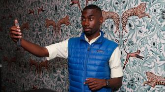 NEW YORK, NY - SEPTEMBER 09: Deray McKesson attends LinkedIn Next Wave at The Empire State Building on September 9, 2015 in New York City.  (Photo by Joe Kohen/Getty Images for LinkedIn)