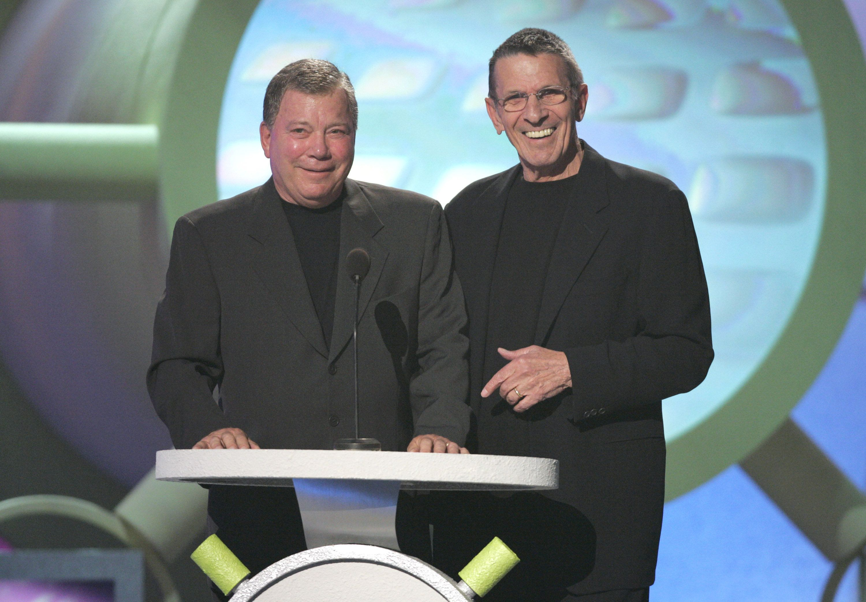 William Shatner and Leonard Nimoy present the Viewer's Choice Award - King of Zing / Queen of Quip (Photo by J. Merritt/FilmMagic)
