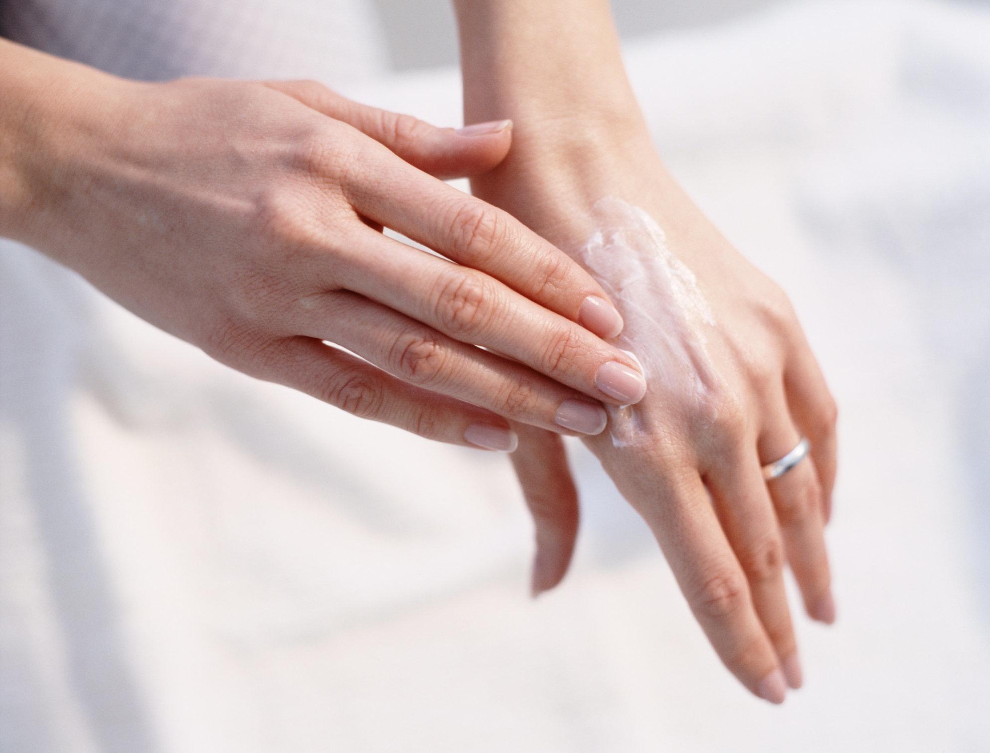 Сухая кожа рук: причины 70