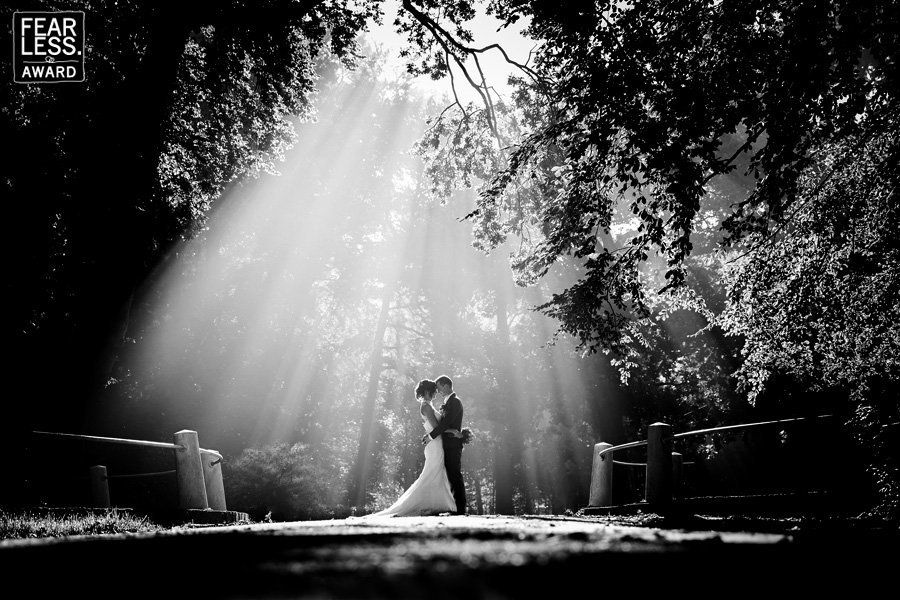25 captivating wedding photos that are a cut above the rest