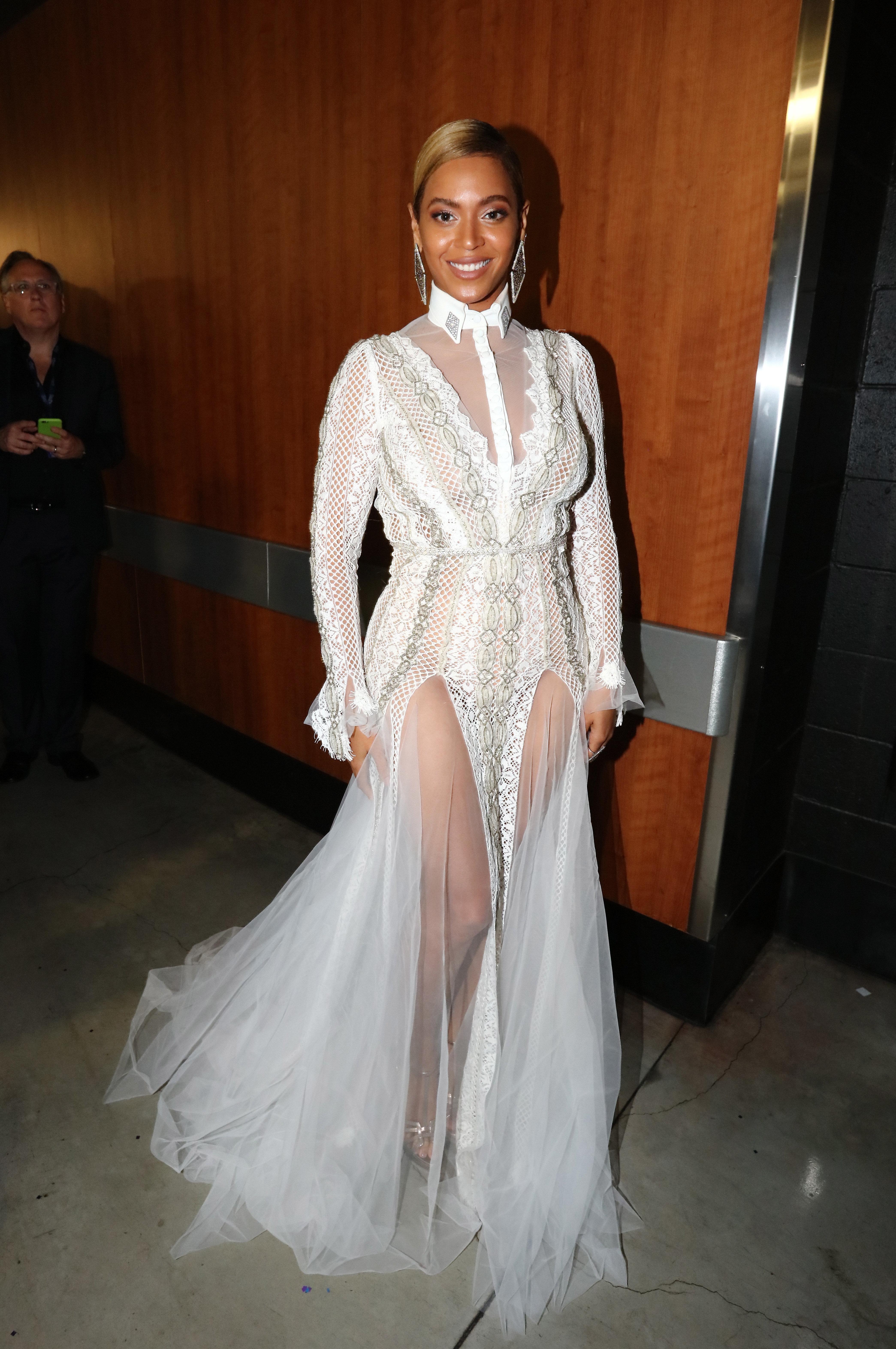 Beyoncé backstage at the2016GrammyAwards.