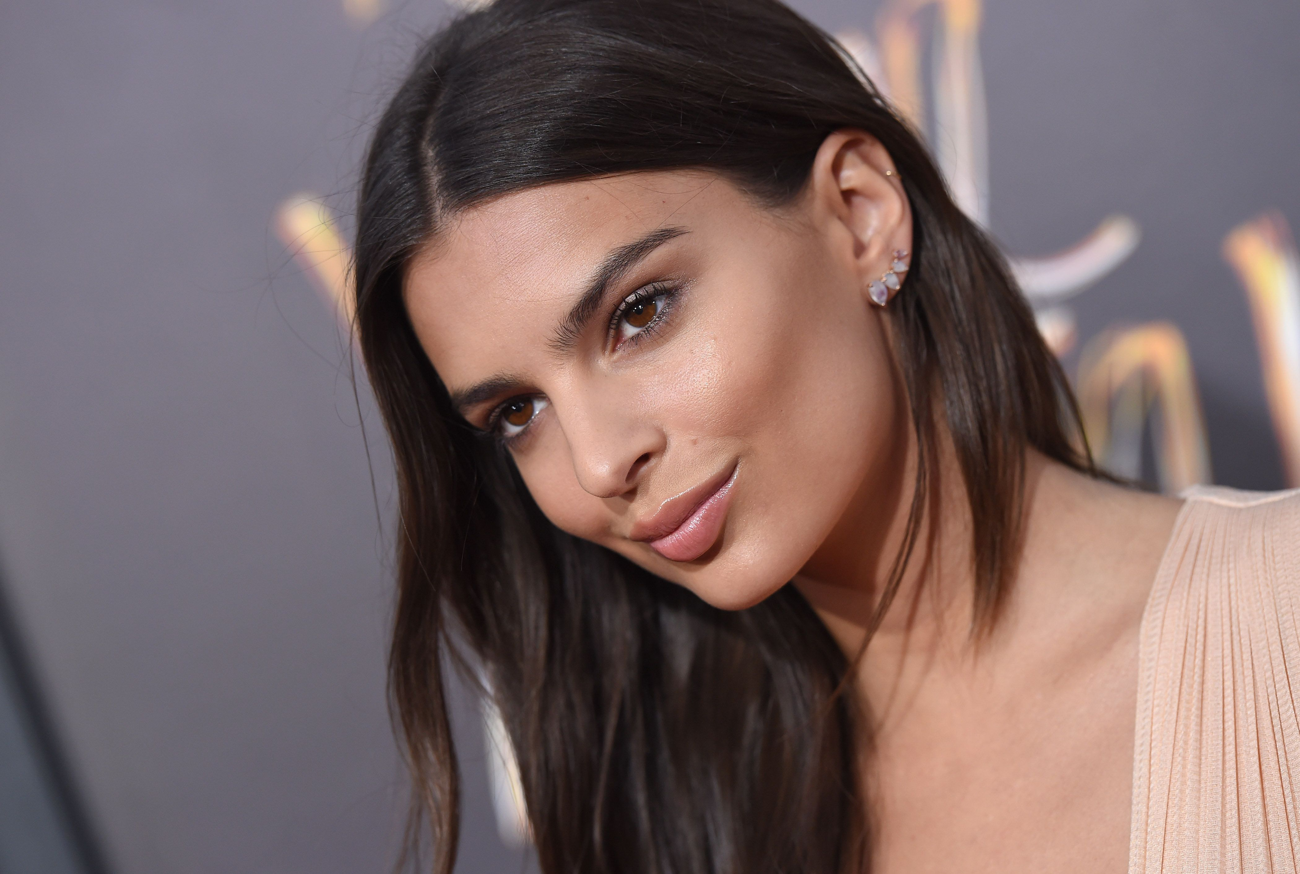HOLLYWOOD, CA - AUGUST 20:  Actress Emily Ratajkowski arrives at the premiere of Warner Bros. Pictures' 'We Are Your Friends' at TCL Chinese Theatre on August 20, 2015 in Hollywood, California.  (Photo by Axelle/Bauer-Griffin/FilmMagic)