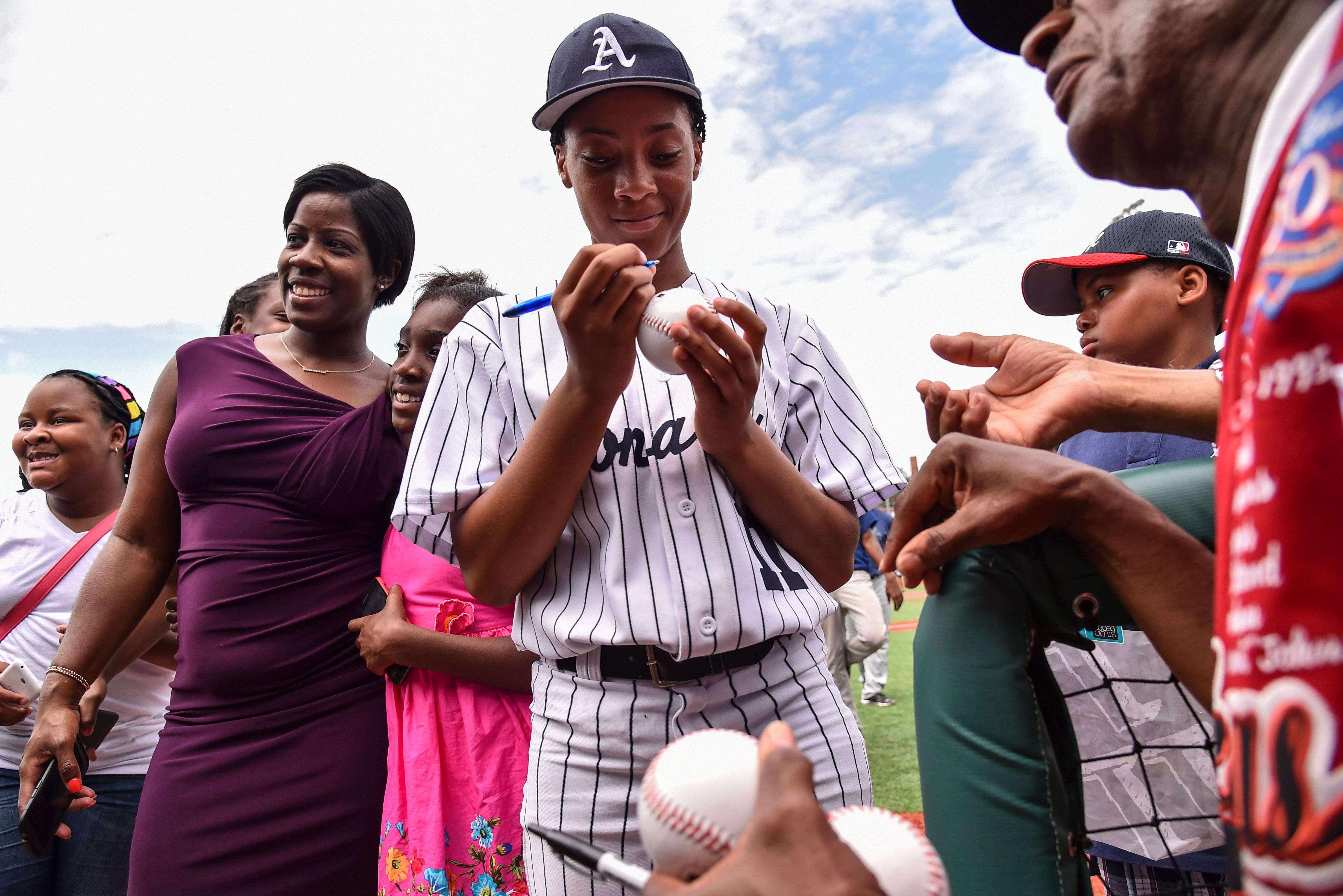 """For Mo'ne Davis, the sudden fame was """"overwhelming."""""""