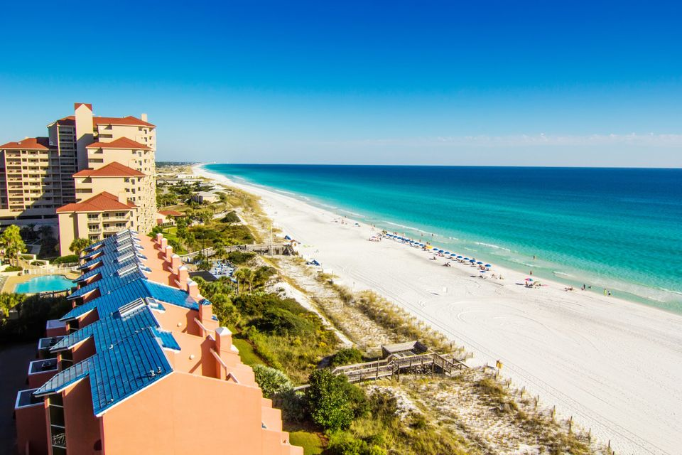 Spring breakers flock to Panama City Beach in March, so plan your tripaccordingly. The beach is beautiful, the water is