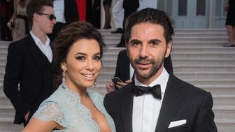 CAP D'ANTIBES, FRANCE - MAY 21:  (EDITORS NOTE: Image has been retouched.) Actress Eva Longoria and Jose Antonio Baston attend amfAR's 22nd Cinema Against AIDS Gala, Presented By Bold Films And Harry Winston at Hotel du Cap-Eden-Roc on May 21, 2015 in Cap d'Antibes, France.  (Photo by Pascal Le Segretain/amfAR15/WireImage)