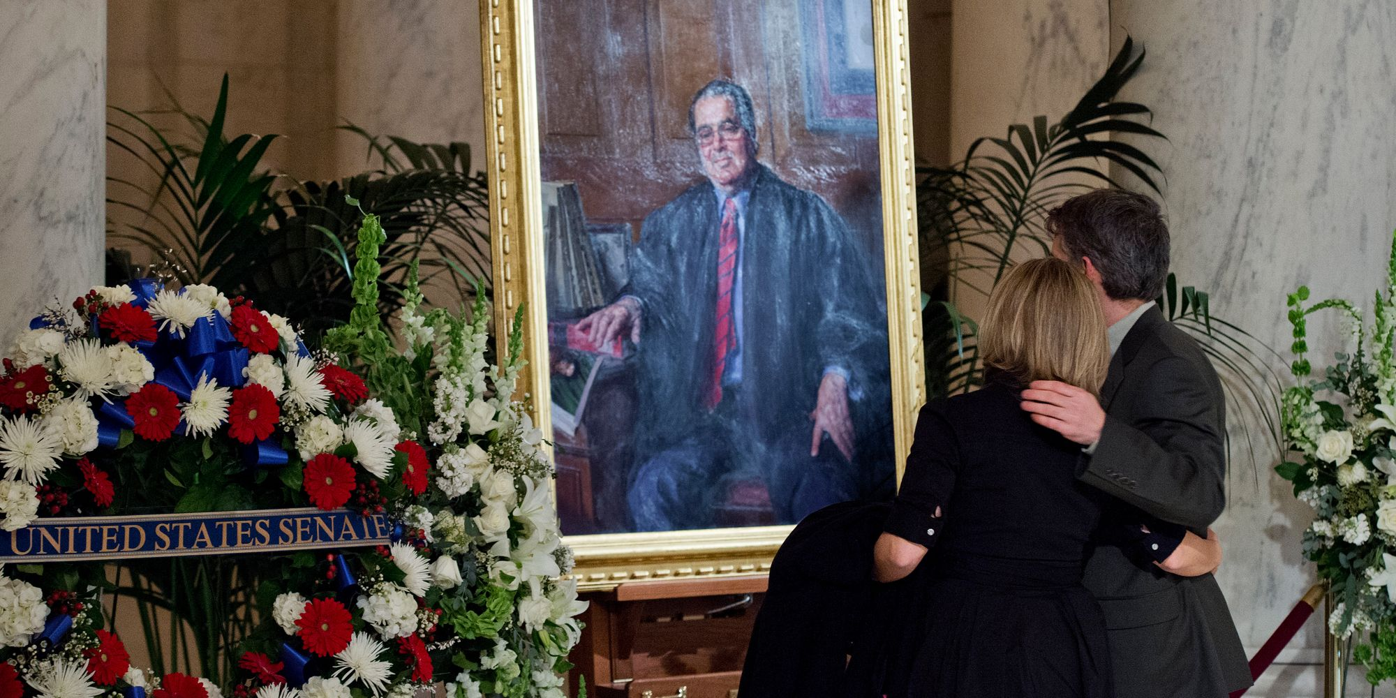 In Lieu Flowers Republicans Could Honor Justice Scalia By Replacing Him