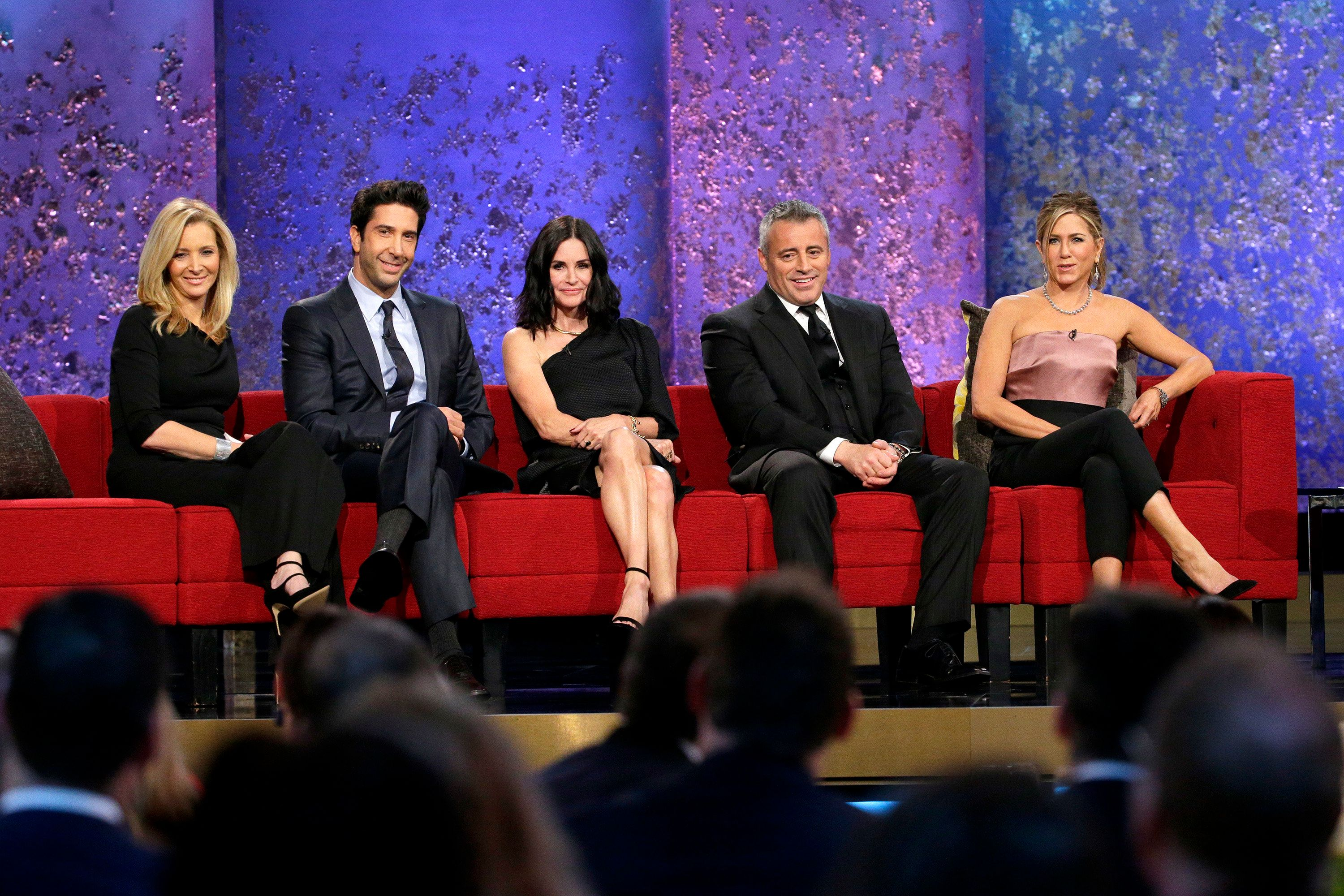 MUST SEE TV: AN ALL-STAR TRIBUTE TO JAMES BURROWS -- Pictured: (l-r) Lisa Kudrow, David Schwimmer, Courteneey Cox, Matt LeBlanc, Jennifer Aniston -- (Photo by: Chris Haston/NBCNBCU Photo Bank)
