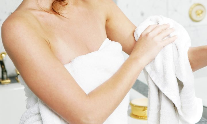 To prevent dry skin from getting worse, pat down your skin with a towel.