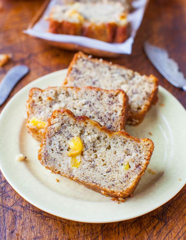 "<strong>Get the <a href=""http://www.averiecooks.com/2013/03/pineapple-coconut-oil-banana-bread.html"" target=""_blank"">Pineappl"