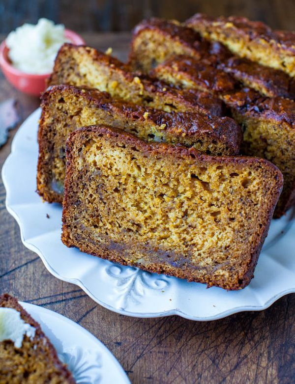 "<strong>Get the <a href=""http://www.averiecooks.com/2012/09/pumpkin-banana-bread-with-browned-butter-cream-cheese-frosting.ht"