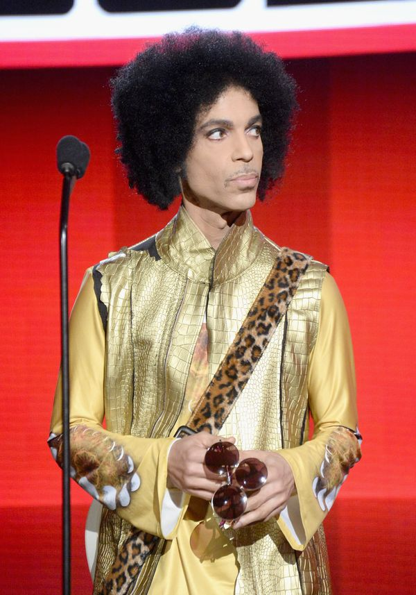 "The music icon is a <a href=""http://www.cbsnews.com/news/prince-is-voted-sexiest-vegetarian/"" target=""_blank"">strict vegan</a"