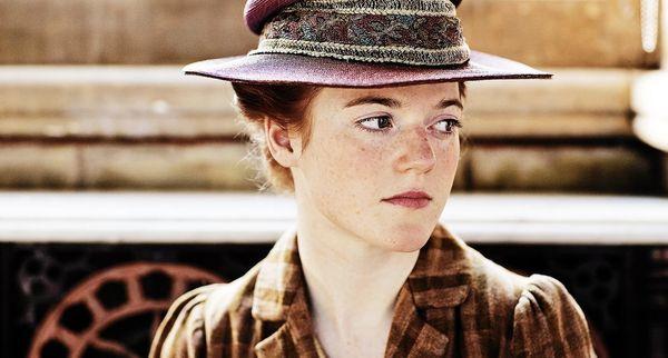 Gwen Dawson (Season 1) / Gwen Harding (Season 6)