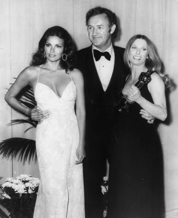 Actors (left to right) Raquel Welch, Gene Hackman and Cloris Leachman (holding her Best Supporting Actress Oscar) at the 44th
