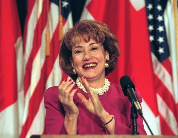 "While her husband unsuccessfully ran for president in 1996, <a href=""http://www.notablebiographies.com/De-Du/Dole-Elizabeth.h"