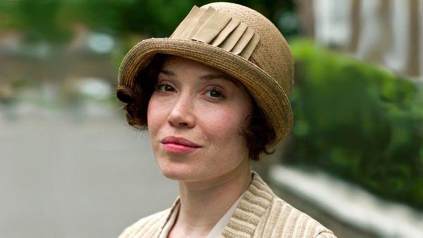 Sarah Bunting (Seasons 4 & 5)