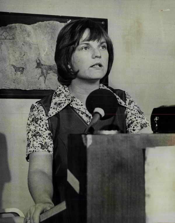 "In 1972, <a href=""http://womenshistory.about.com/od/publicofficials/tp/ran_for_president.htm"">Linda Jenness</a> ran against R"