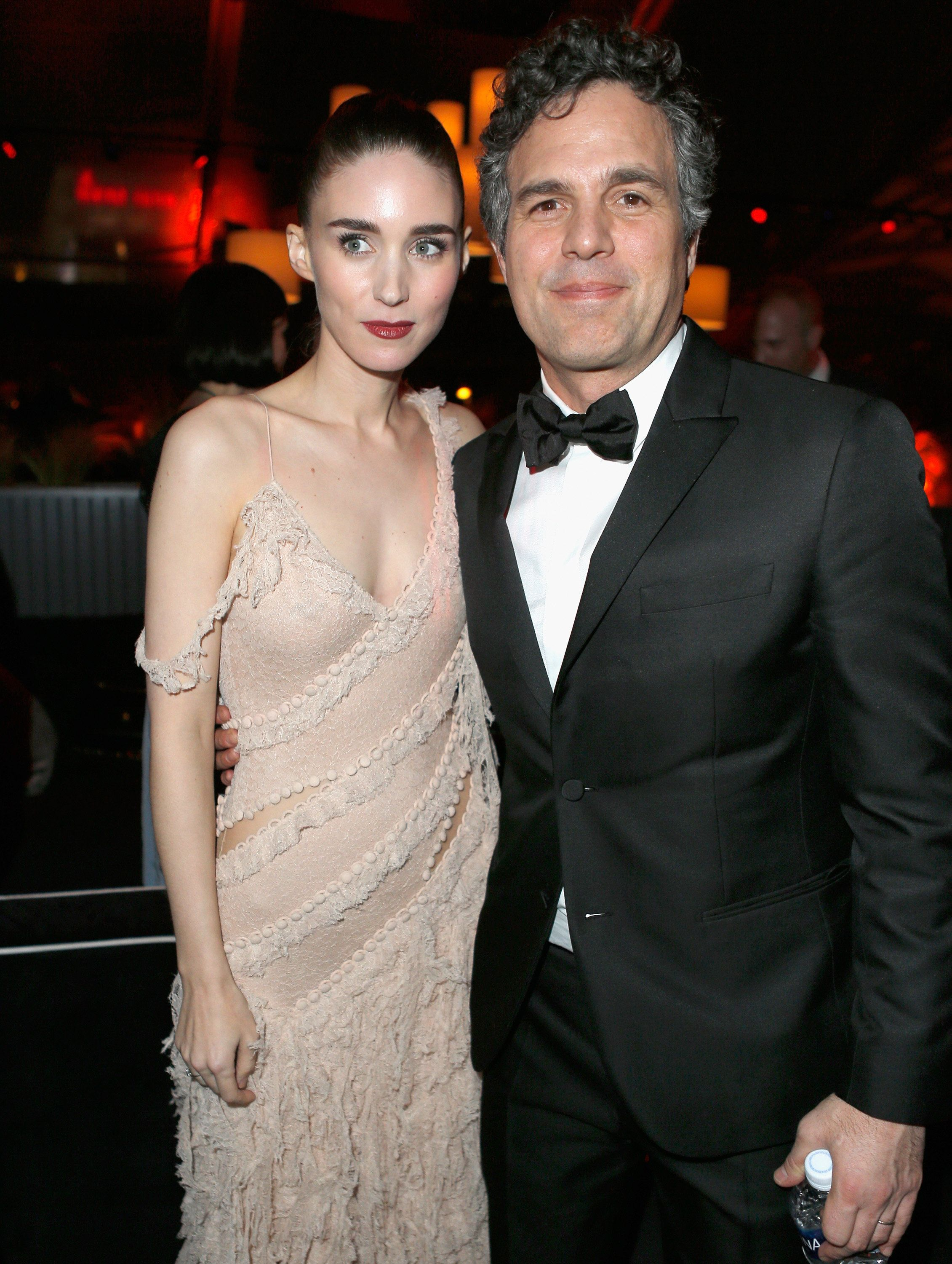 BEVERLY HILLS, CA - JANUARY 10:  Actress Rooney Mara (L) and actor Mark Ruffalo attend The Weinstein Company and Netflix Golden Globe Party, presented with DeLeon Tequila, Laura Mercier, Lindt Chocolate, Marie Claire and Hearts On Fire at The Beverly Hilton Hotel on January 10, 2016 in Beverly Hills, California.  (Photo by Jeff Vespa/Getty Images for The Weinstein Company)
