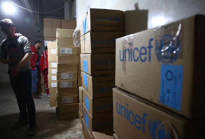 A United Nations airdrop of food to 200,000 people in the eastern town of Deir al-Zor, which is besieged by the so-called Isl