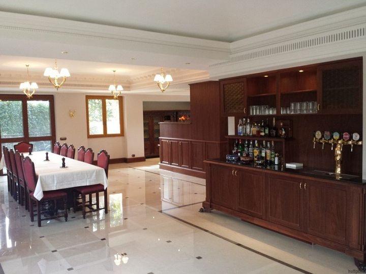 Villa Stritch's manager,Nebraskan Reverend MonsignorThomas Fucinaro, has spent350,000 euros on the villa&rs