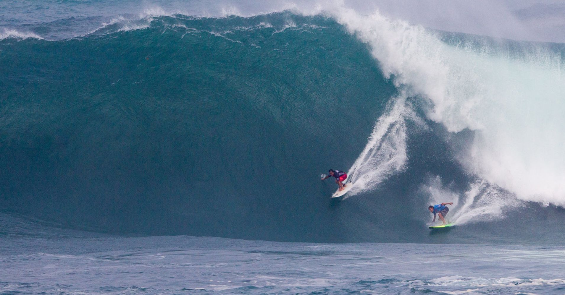 7f334e943e This Is Why Every Surfer In The World Is Freaking Out About  The Eddie
