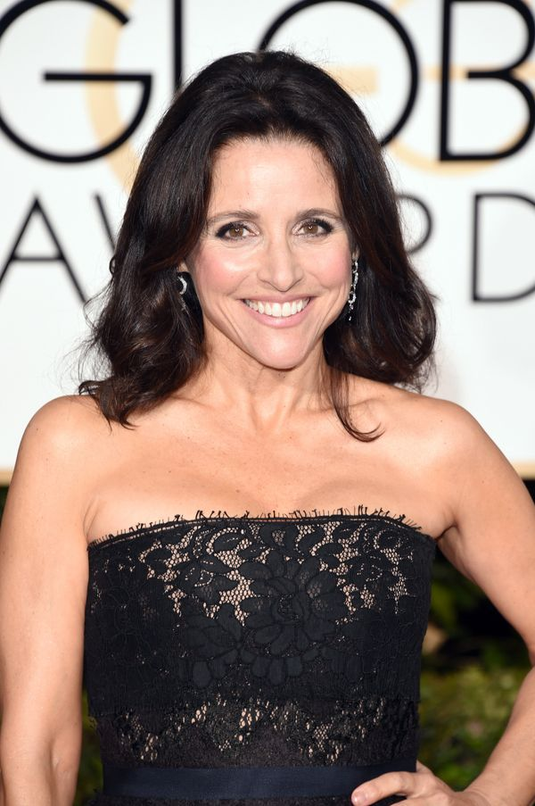 Julia Louis-Dreyfus' Golden Globe Awards beauty was all about radiant skin. Makeup artist Karen Kawahara played up