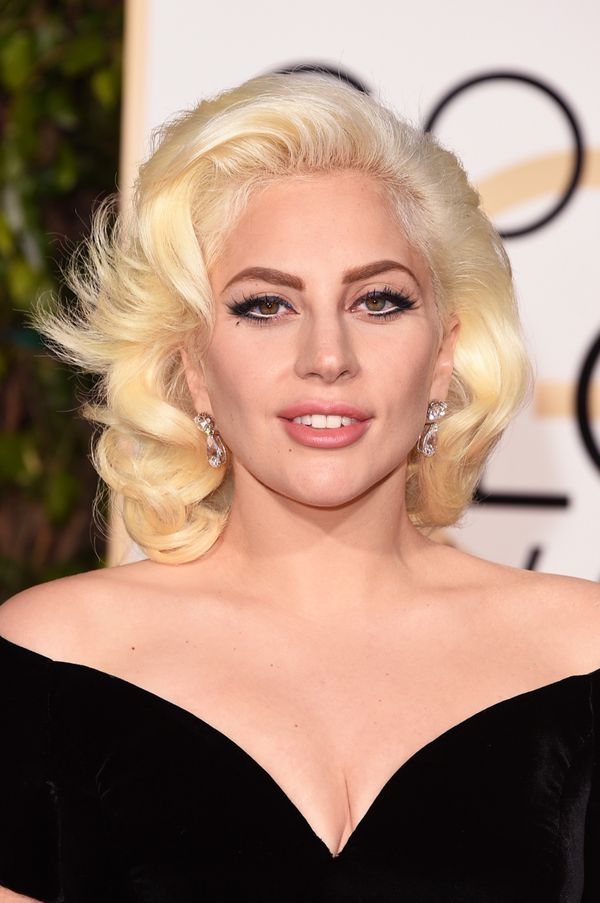 11 Tricks Makeup Artists Use On The Red Carpet That You ...