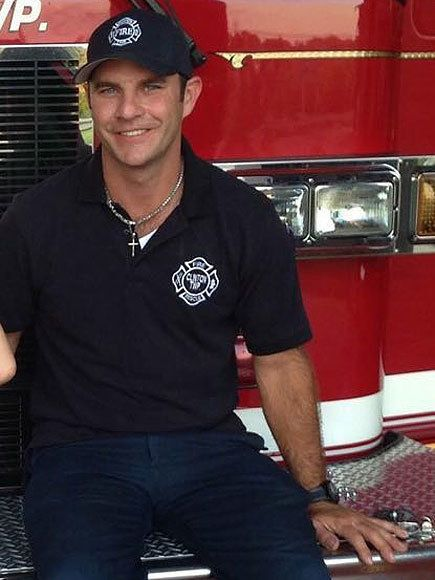 Ryan McCuen, the firefighter responsible for the act of compassion.