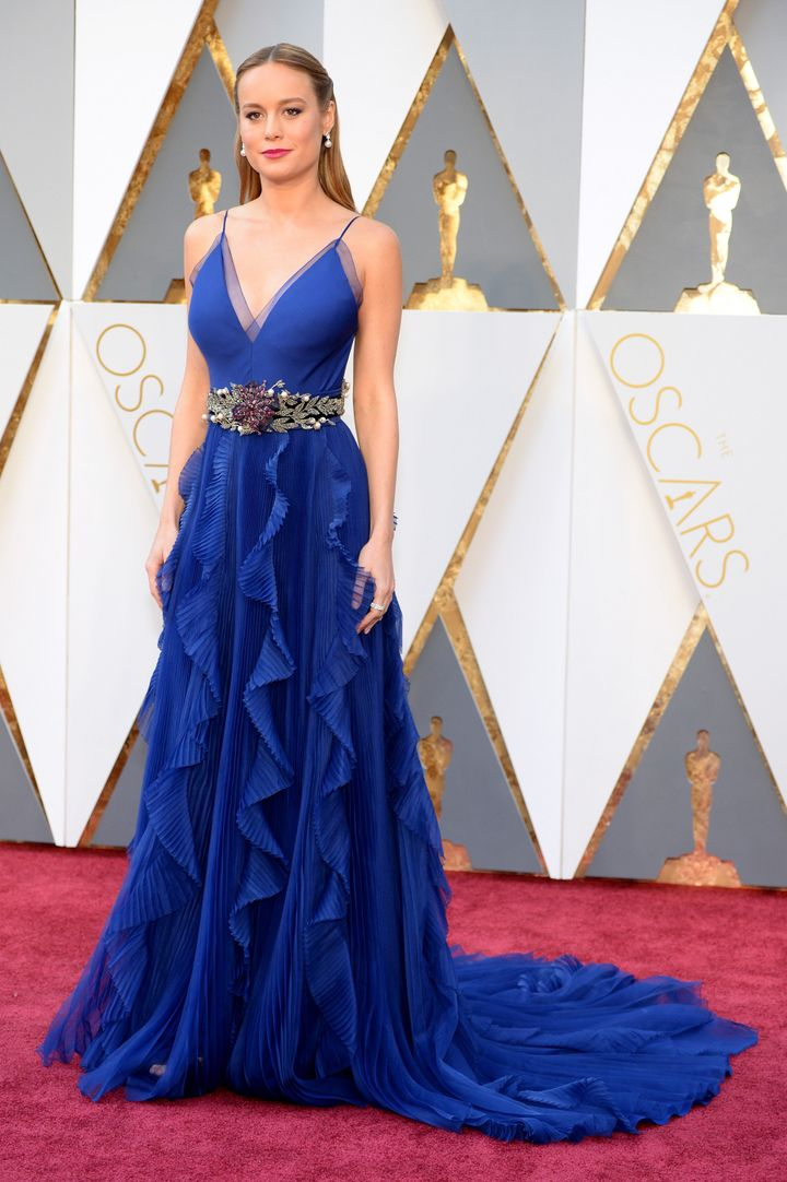 Brie Larson Is Breathtaking In Blue On The Oscars Red
