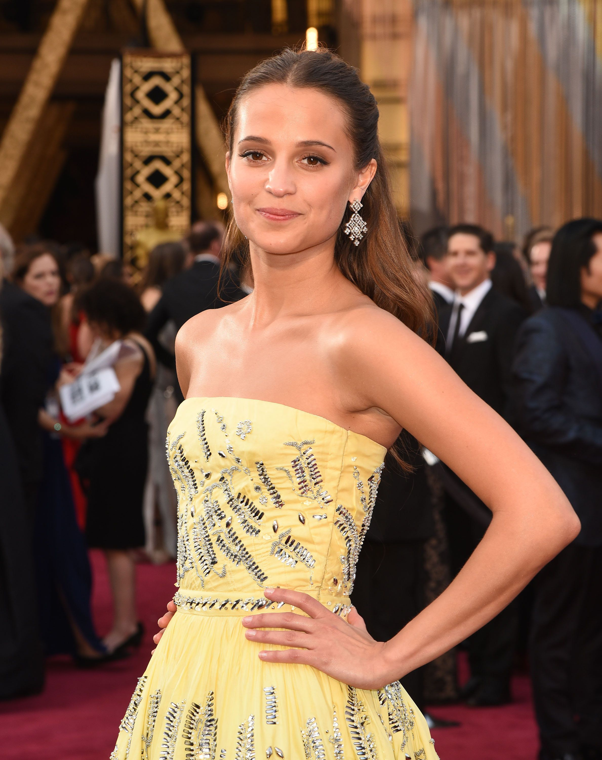 HOLLYWOOD, CA - FEBRUARY 28:  Actress Alicia Vikander attends the 88th Annual Academy Awards at Hollywood & Highland Center on February 28, 2016 in Hollywood, California.  (Photo by C Flanigan/FilmMagic)