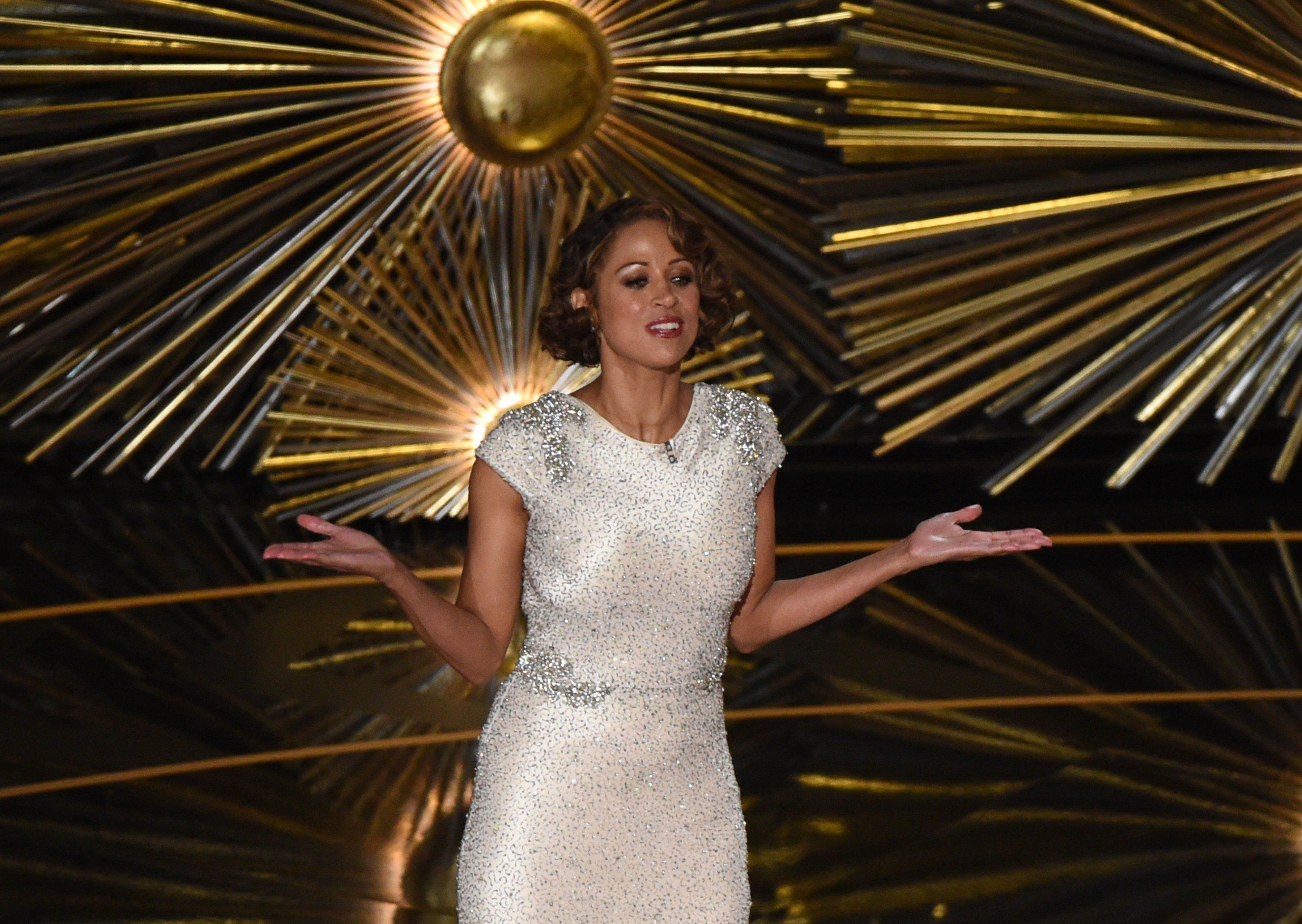 Actress Stacey Dash presents on stage at the 88th Oscars on February 28, 2016 in Hollywood, California. AFP PHOTO / MARK RALSTON / AFP / MARK RALSTON        (Photo credit should read MARK RALSTON/AFP/Getty Images)