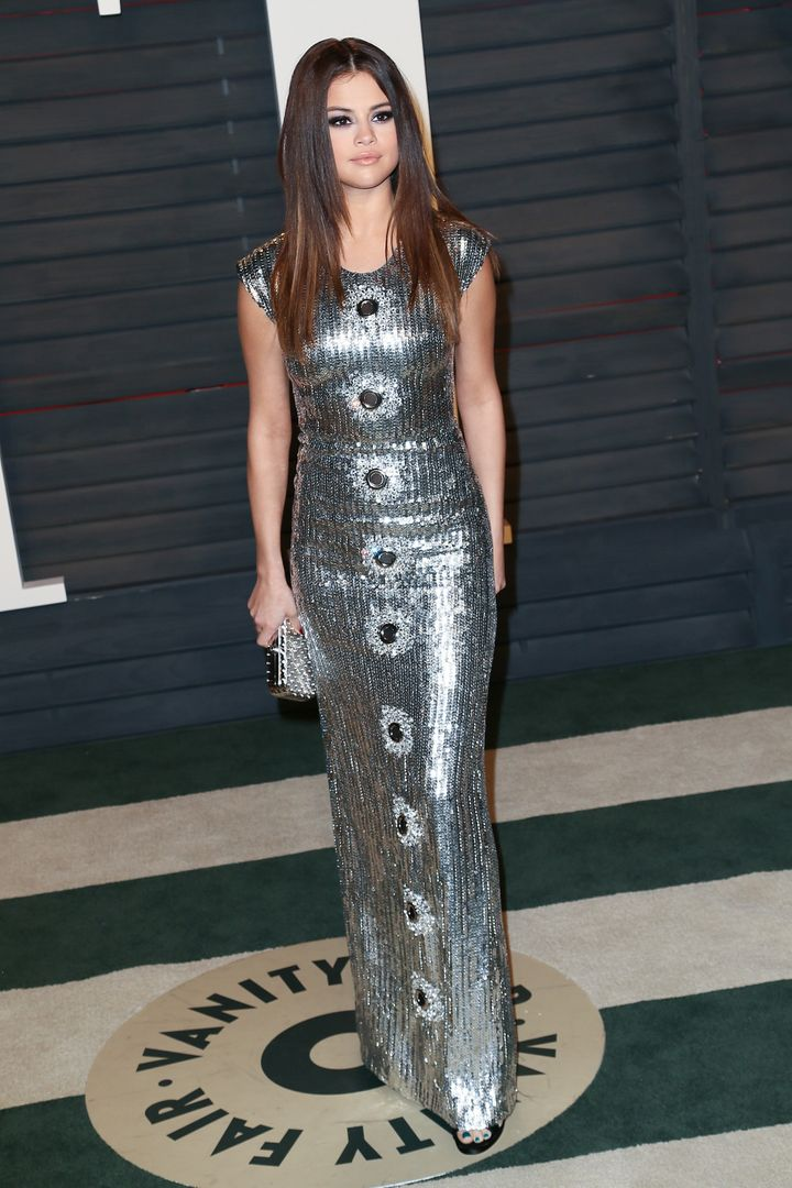 Recording artist Selena Gomez arrives at the 2016 Vanity Fair Oscar Party Hosted by Graydon Carter at the Wallis Annenberg Ce