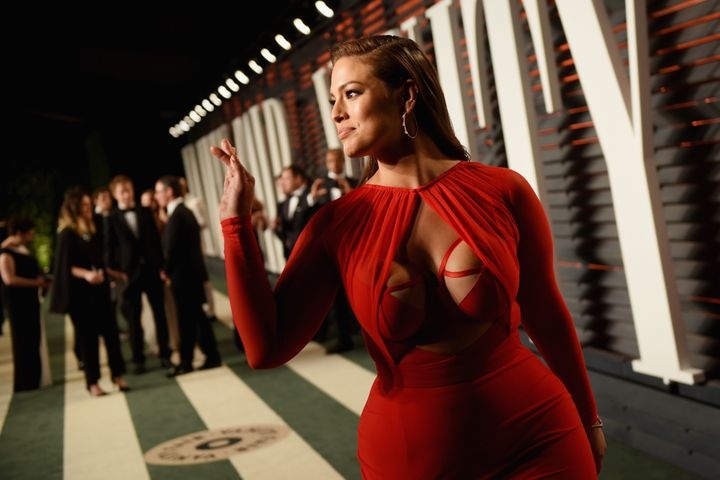 Ashley Graham Steals The Oscars Spotlight In A Super Sexy