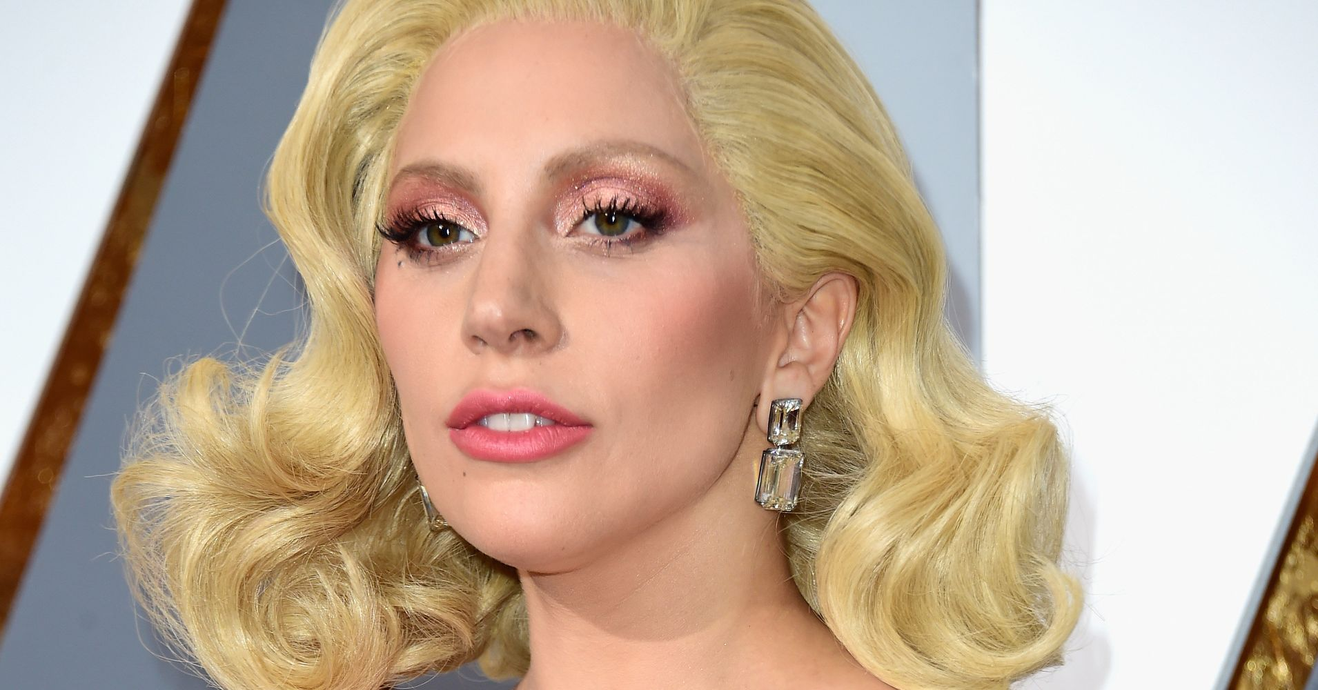 You Ll Never Guess How Much Lady Gaga S Oscars Earrings Cost Huffpost Life