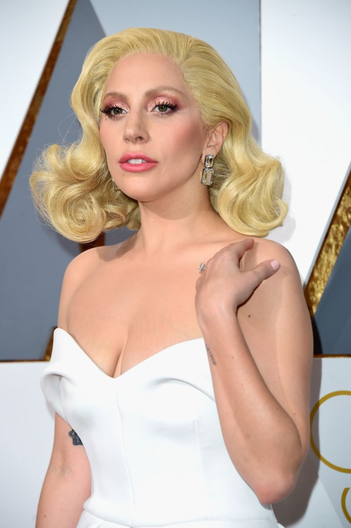 You Ll Never Guess How Much Lady Gaga S Oscars Earrings Cost