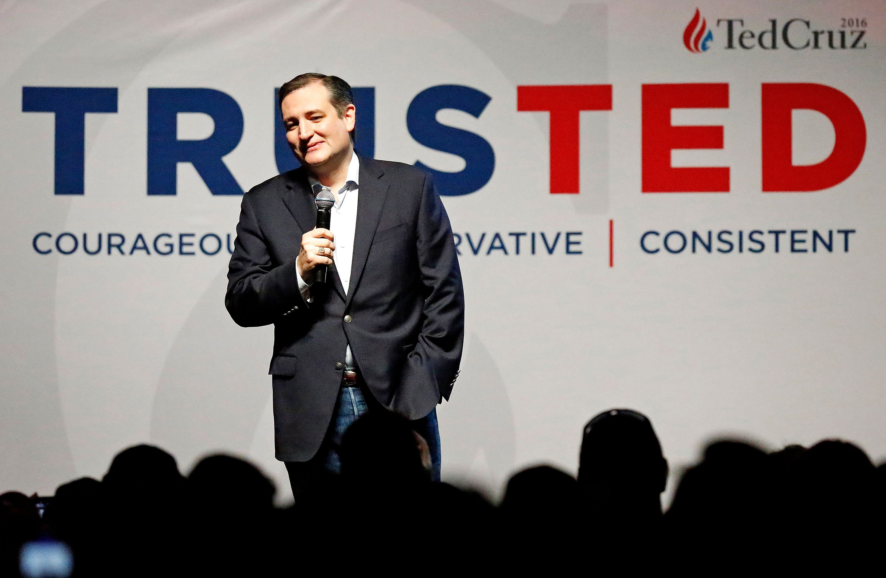 DALLAS, TX - FEBRUARY 29:  Republican presidential candidate Sen. Ted Cruz (R-TX) speaks at a rally at Gilley's Dallas the day before Super Tuesday February 29, 2016 in Dallas, Texas. Candidates have spread themselves out over the U.S. in the lead up to Super Tuesday where twelve states will hold primary voting. (Photo by Stewart F. House/Getty Images)