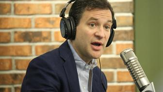 NEW YORK, NY - OCTOBER 09:  Dan Harris visits 'The Elvis Duran Z100 Morning Show' at Z100 Studio on October 9, 2015 in New York City.  (Photo by Rob Kim/Getty Images)