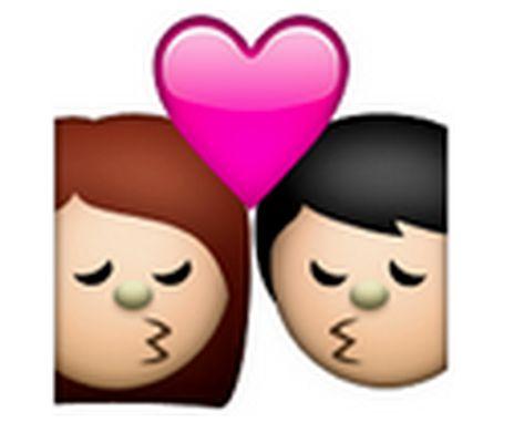 Apple Announces 'Hijab Emoji' And Internet Islamophobes Can