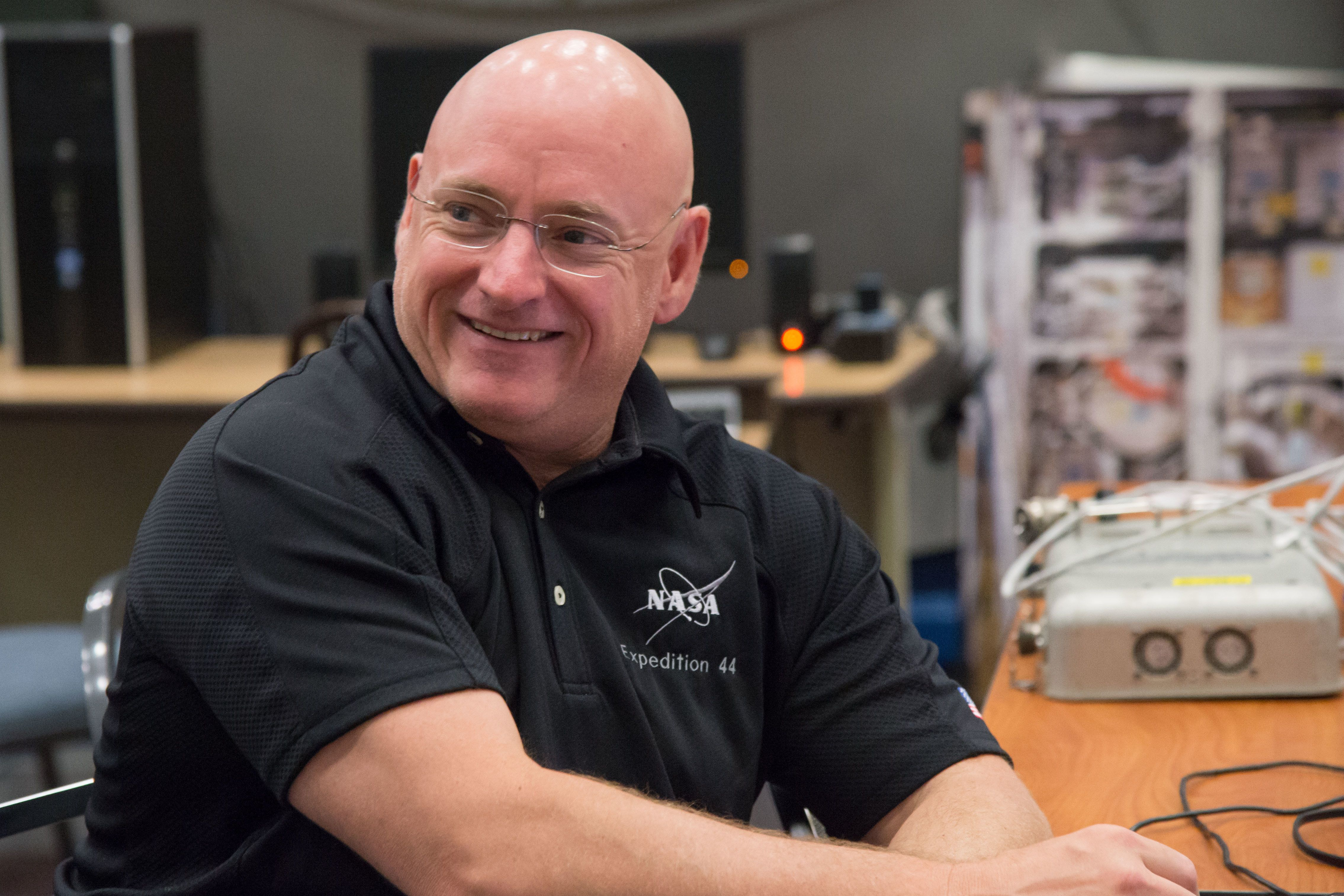 PHOTO DATE: 5-9-13 LOCATION: Bldg. 9NW - ISS Mockups SUBJECT: JSC2013-E-031311 (9 May 2013) --- NASA astronaut Scott Kelly, Expedition 43 flight engineer, is pictured during a routine operations training session in the Space Vehicle Mock-up Facility at NASA's Johnson Space Center. Photo credit: NASA