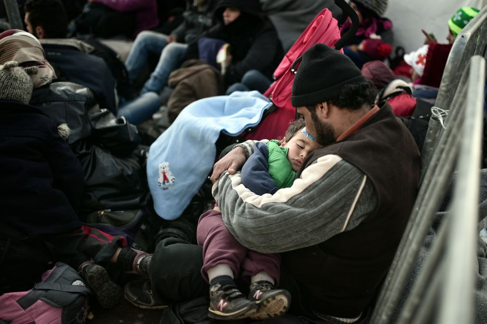 Transit camps for refugees and migrants in Greece are becoming dangerouslyovercrowded as border crossings into Macedoni
