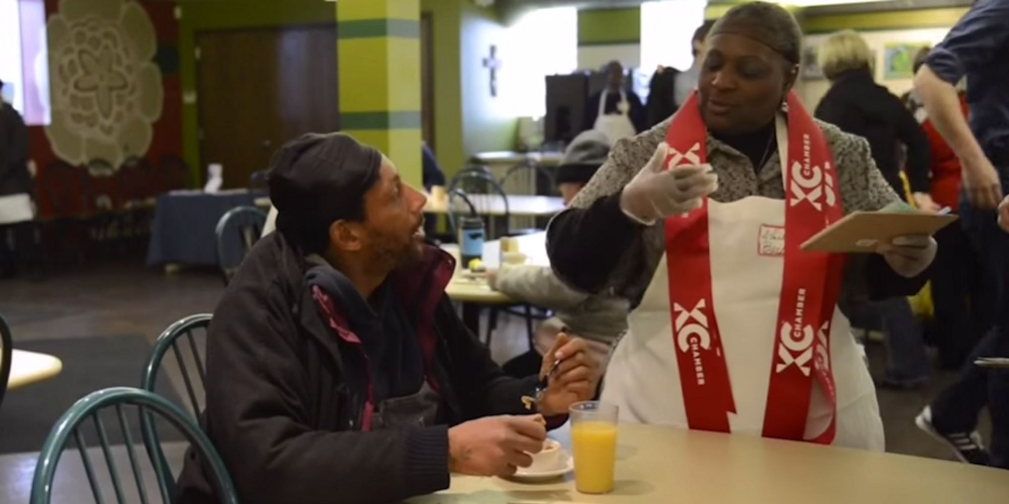 ordinary Kansas City Soup Kitchen Volunteer #9: Soup Kitchen Is Set Up Like A Restaurant So Homeless Can Dine With Dignity | The Huffington Post