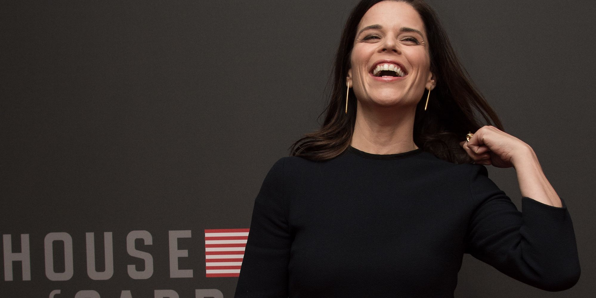 neve campbell says house of cards is wonderful to
