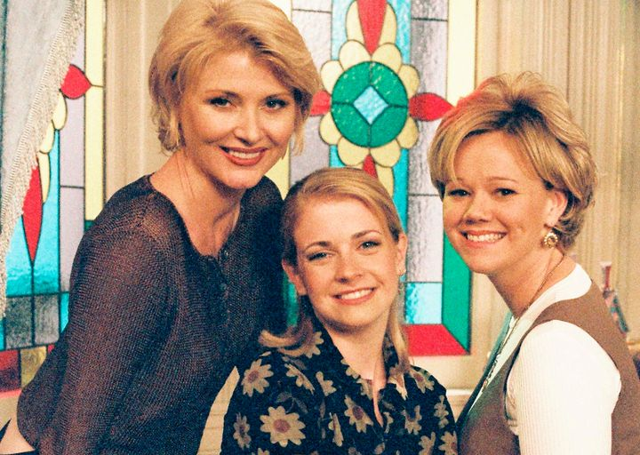 b44752c7a Melissa Joan Hart Finally Answers 7 Major  Sabrina  Mysteries