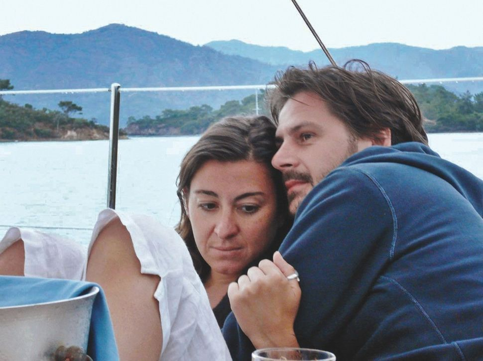Addario and her husband Paul at the Turkish coast in 2007.