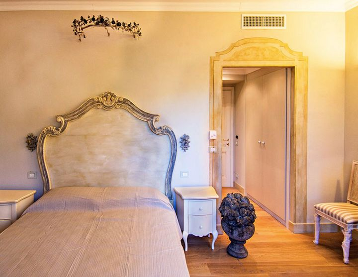 La Cabana's room.