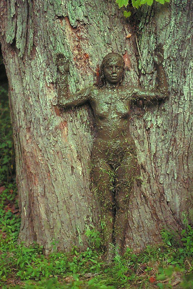 Ana Mendieta: Was zurückbleibt - Kunst und Kultur
