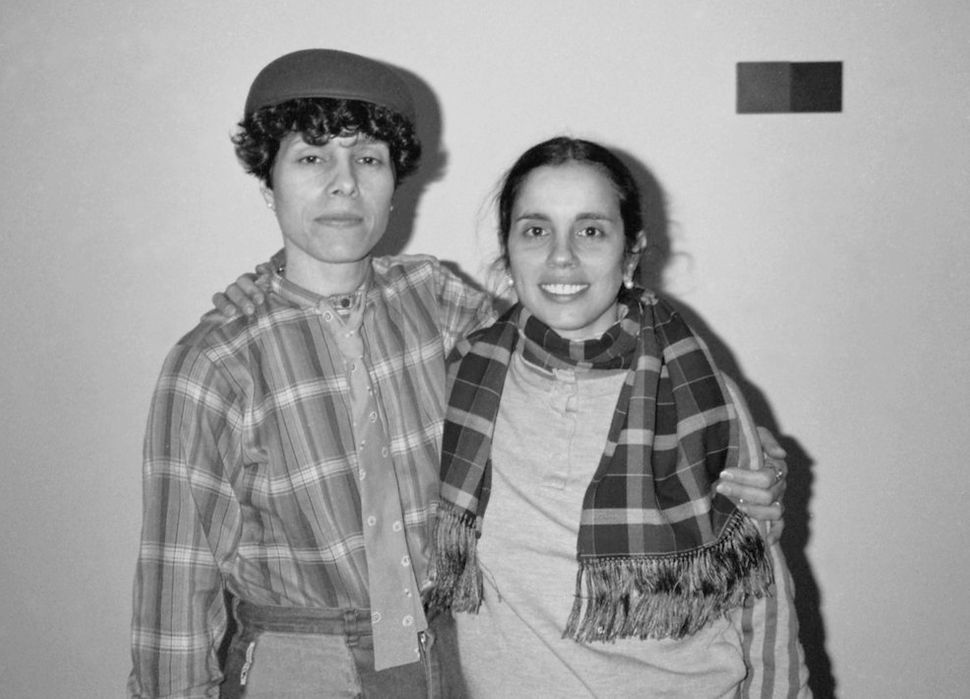 Raquelin (left) and Ana Mendieta (right) in 1985.