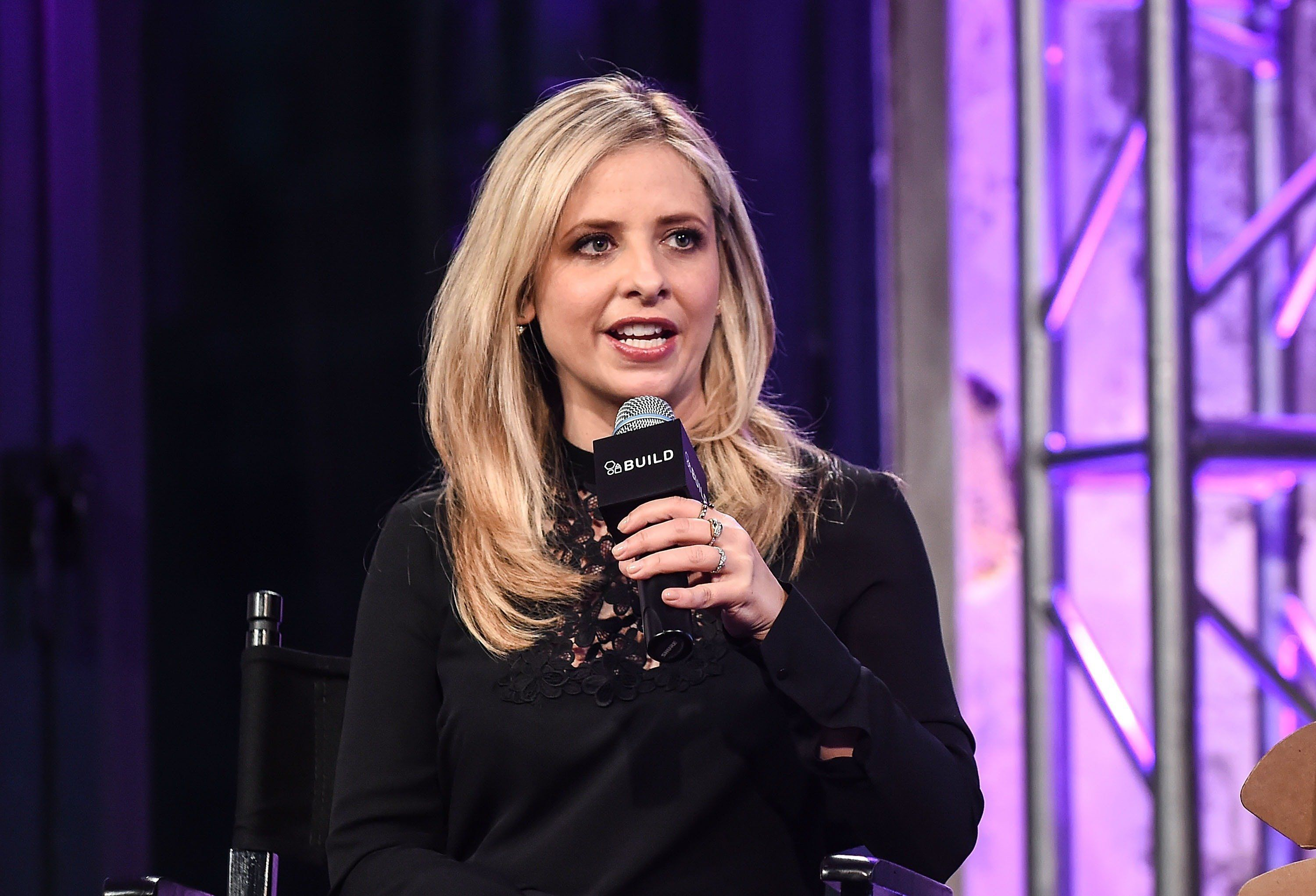 NEW YORK, NY - DECEMBER 17:  Actress Sarah Michelle Gellar attends AOL Build to discuss her new company 'Foodstirs' at AOL Studios on December 17, 2015 in New York City.  (Photo by Daniel Zuchnik/WireImage)